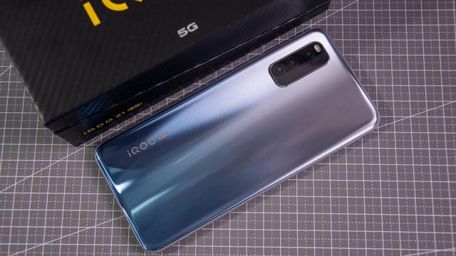 原创            外观拍照充电各有所长 三款联发科天玑1000+手机该怎么选?