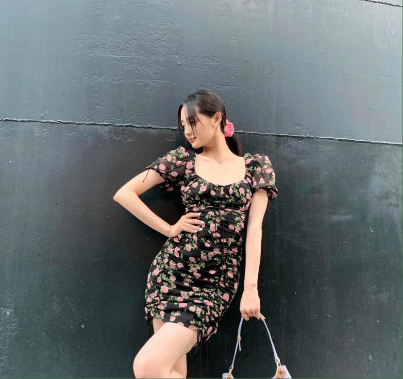 清爽夏天的时尚优雅碎花裙搭配!这几款绝对必备,尽显女性优雅风