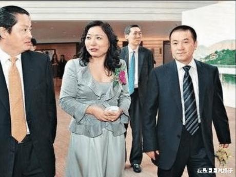 <strong>李詈与前妻分居二百亿转身买十三亿豪宅娶空姐</strong>