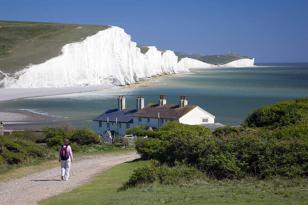 英国多佛白崖之谜 距今1.3亿年岁月 性感美女万种风情