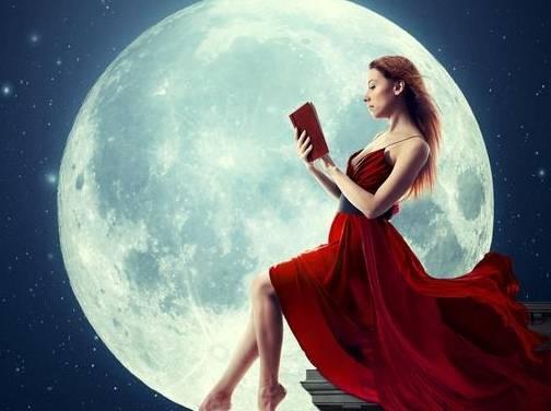心理学:哪个月亮画面最美,测出你最近