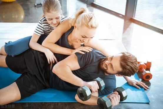 坚持健身,你会收获什么益处?时间会回馈你更好的自己!