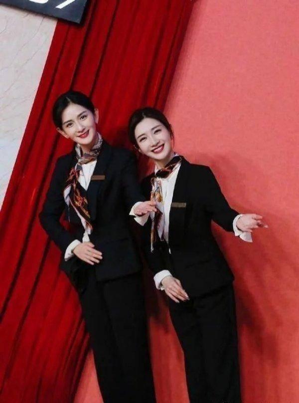 39岁谢娜和33岁江疏影同穿西装制服,网友没对比就没有伤害