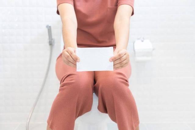 """别害羞!内裤上总有""""脏东西""""?考虑这5个因素,有的可要谨慎"""
