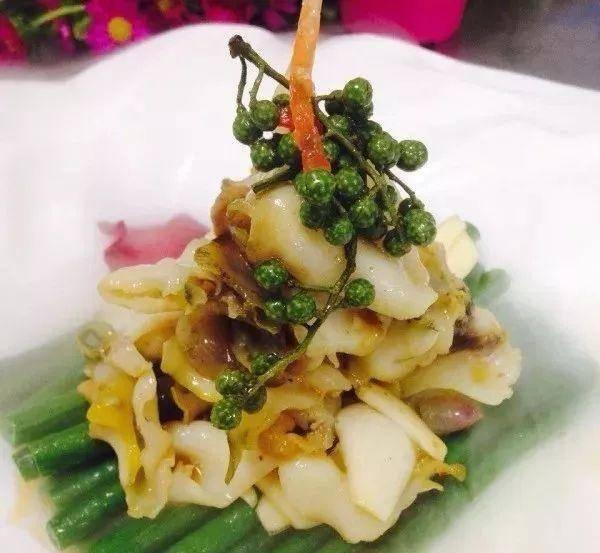 美食推荐:炝汁螺片,鱿鱼虾,干锅羊蹄