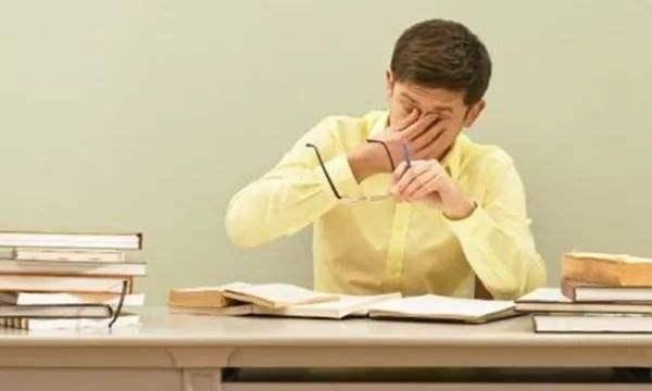睡前饮酒能缓解失眠?营养师:用三个原因说明真相,别理解错了