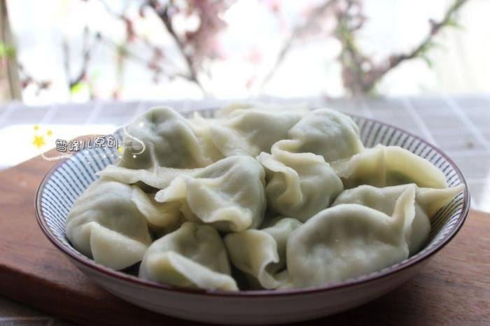 包饺子这菜最好吃,1块钱1捆,鲜香多汁