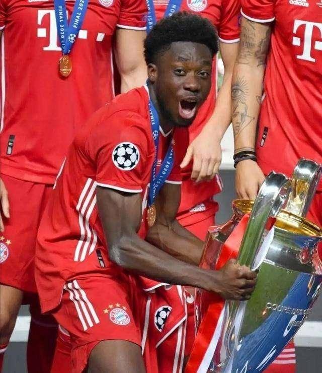 拜仁小将阿方索-戴维斯登陆欧洲五大联赛仅