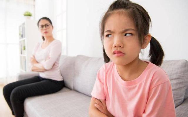 """青春期对父母来说是一场""""灾难""""吗?如何才能顺利度过青春期 教育孩子是"""