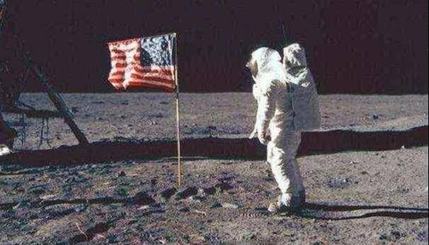 月球上出现神秘塔尖结构,科学家:50年前探索者号也拍到它
