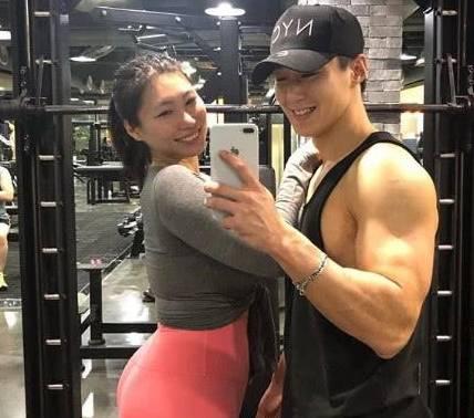 韩国大妞体重140,自称健身已有3年,因身材肥壮而自豪