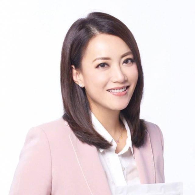 传奇女人霍汶希:见证香港娱乐圈10年兴衰,筑起英皇半壁江山
