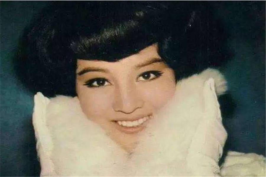 <strong>丈夫被曝婚外情,何莉莉坚决不仳离,丈</strong>