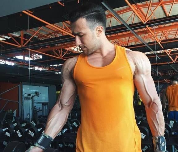 健身的小知识,日常训练和力量举之间的区别,教你正确健身