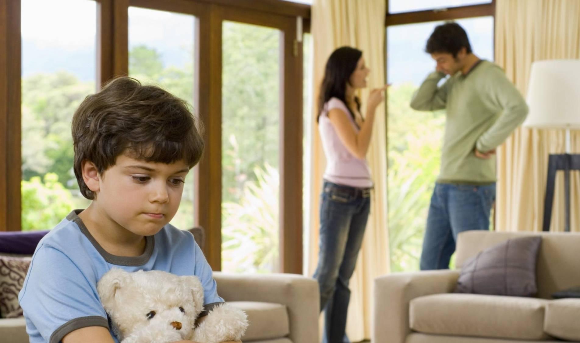 强势的父母会让孩子过于压抑 严重影响其情绪表达!