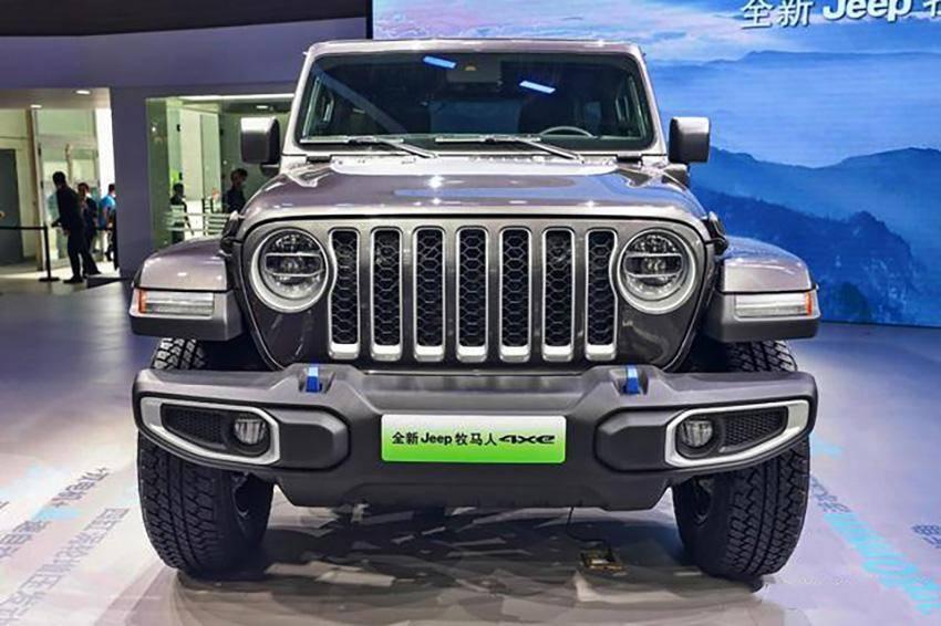 吉普的新越野车在北京车展亮相。网友:买不起大g就看看。