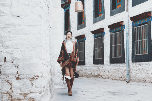 罗西在西藏停留 民族风格奇特醒目