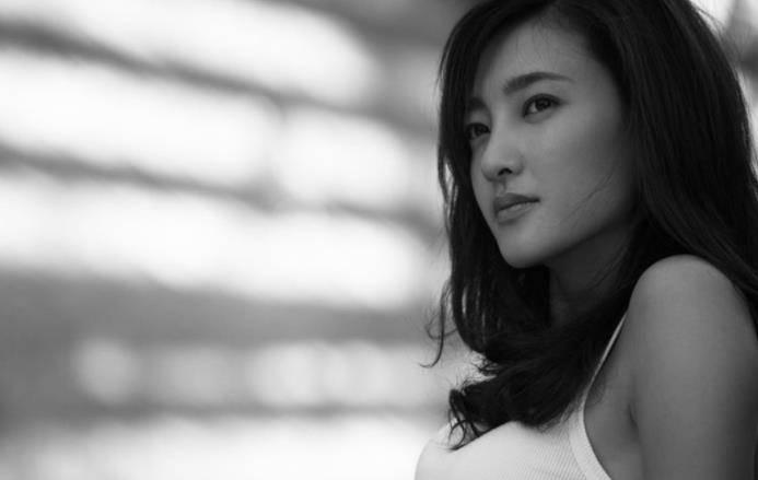 <strong>与乔振宇暗恋8年后 克劳迪娅决定嫁给于</strong>