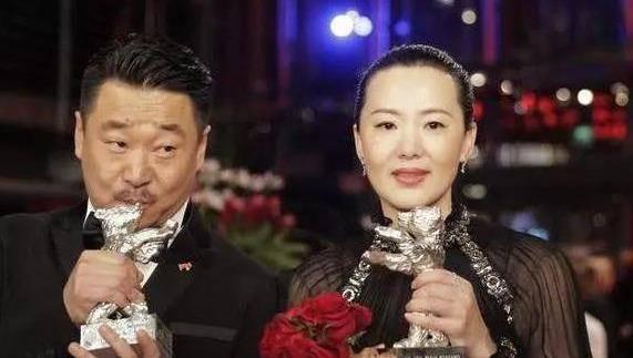 她出道23年零绯闻,是陈道明朱颜良知,嫁王菲初恋恩爱至今(图11)