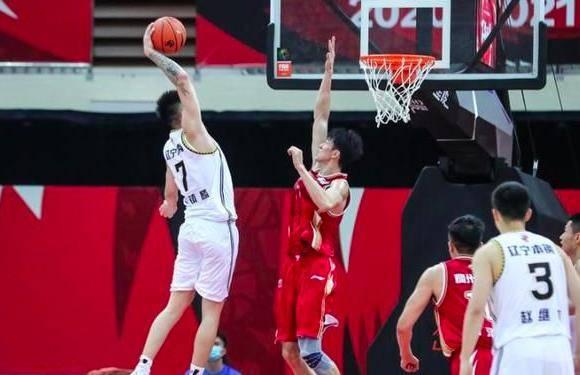 首秀27+12!希望之星征服马布里:会成CBA和中国男篮传奇