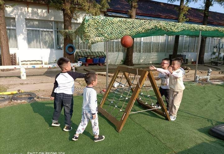 女排精神 我们这样通知小朋友!蒲元幼儿园开展排球体验运动