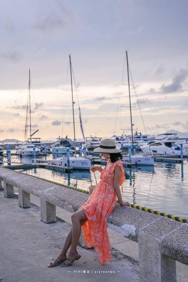 原创             曾是三亚破败的小渔村,如今变得身价百倍,放眼望去都是豪华游艇