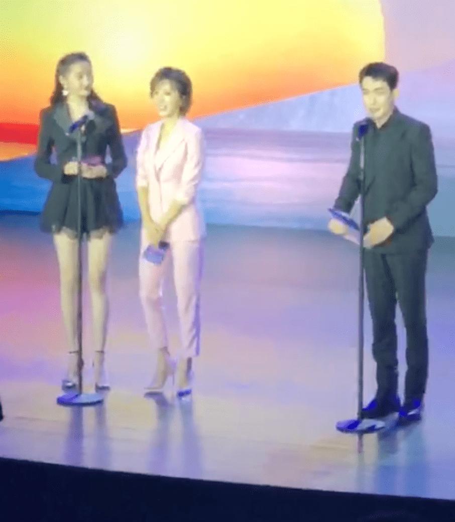 朱一龙现身北京电影学院奖颁奖影片录制奖