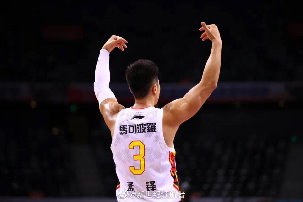 深圳男篮官宣孟铎退役 因伤病劳损告别CBA赛场