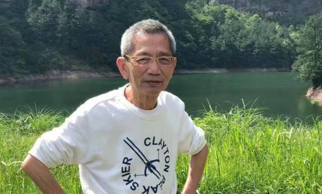 导演邓衍成追思会,米雪姜大卫现场送行,袁咏