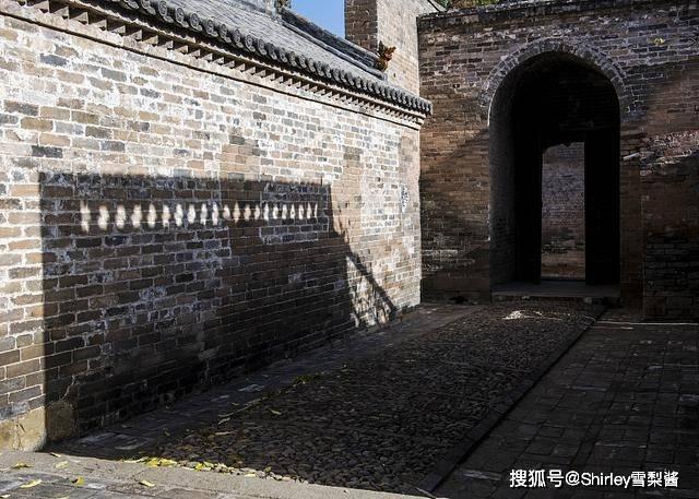 """原创             山西最低调的古堡,布局参考故宫,被称为""""小紫禁城"""",比乔家大院更有特色"""
