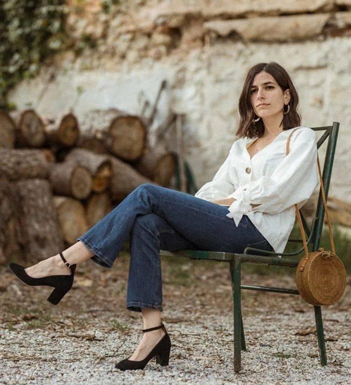 原创             听说今年流行玛丽珍鞋,杨超越穿上变身复古女郎,娜扎也爱不释手