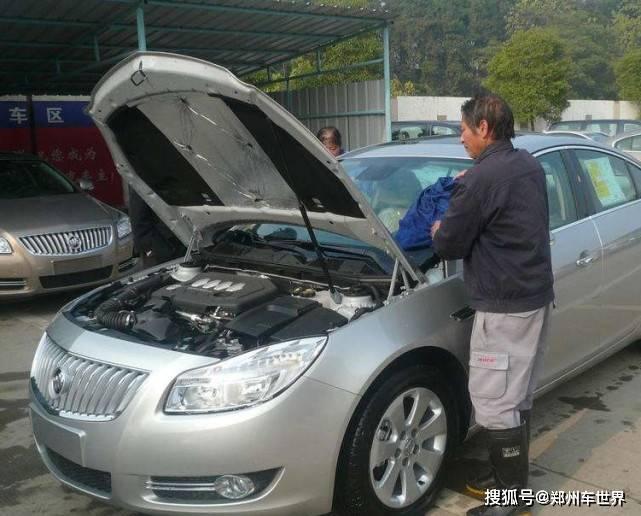 买辆新车4S店会给你这个工具,你觉得是自制的吗