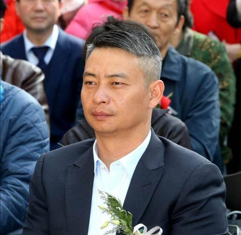 47岁体操冠军李小双现