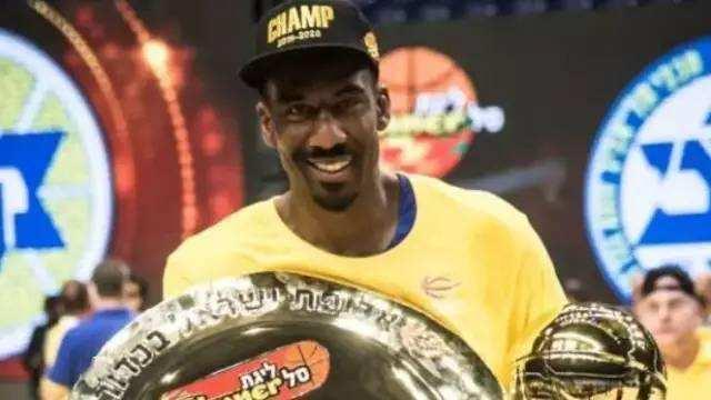 还刚刚赢得总决赛的6位全明星加盟篮网助理纳什