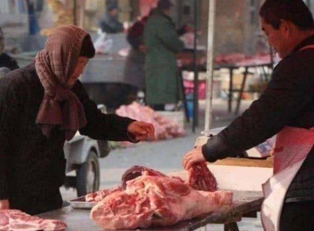 中国人卖猪肉,日本人卖猪肉,印度人卖猪肉,这差距让人惊讶