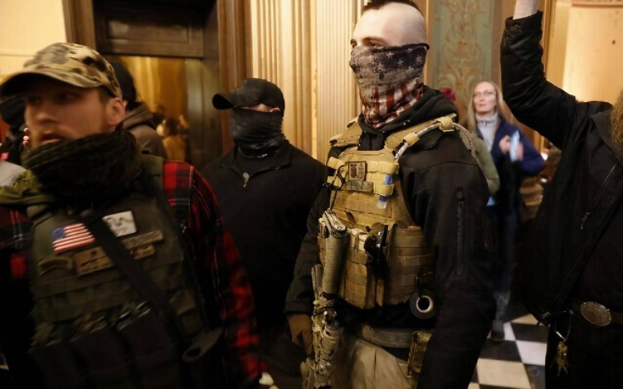 美国会不会爆发内战?外媒:特朗普支持者可能发动武装起义!