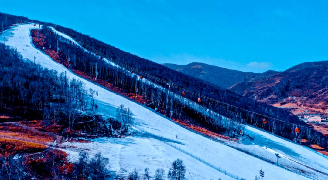 太舞最燥开板,人山人海式的滑雪狂欢