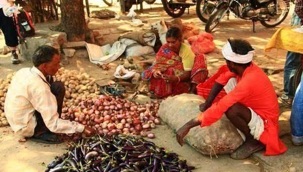 印度遭遇50度高温,人们用太阳烤蛋,没有空调冰箱只能靠它!