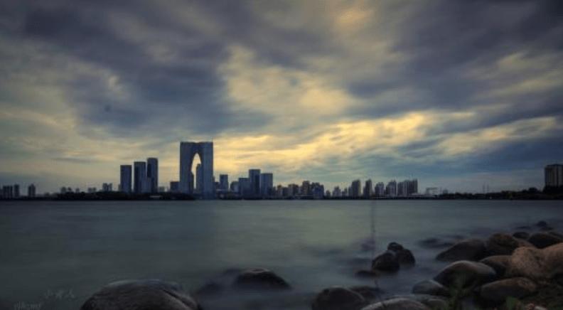 东北地区经济总量最高的城市_城市夜景图片