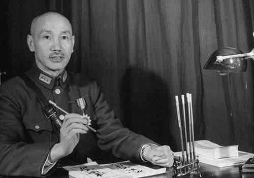 原创   肖劲光:黎川失守,受彭德怀保护,旱鸭子却被毛泽东钦点海军司令    第4张