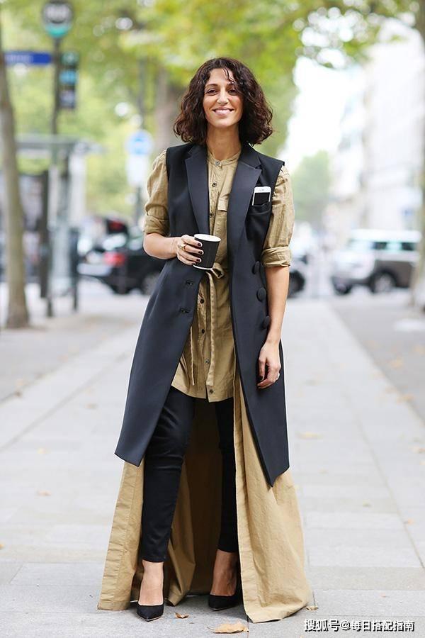 """女人不要再""""衬衫""""塞裤子了,现在流行这样穿,优雅减龄时髦高级"""