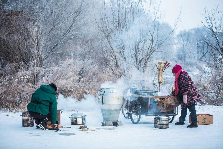 """原创             东北的冬天是真的冷,也是真的美,这一风景堪称""""自然奇观"""""""