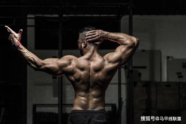 练胸的人特别多,练背的人特别少,但后者更重要!