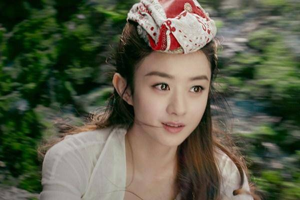 """同是演""""女儿国国王"""":赵丽颖端庄,舒畅风情,最后一位像个压寨夫人!"""