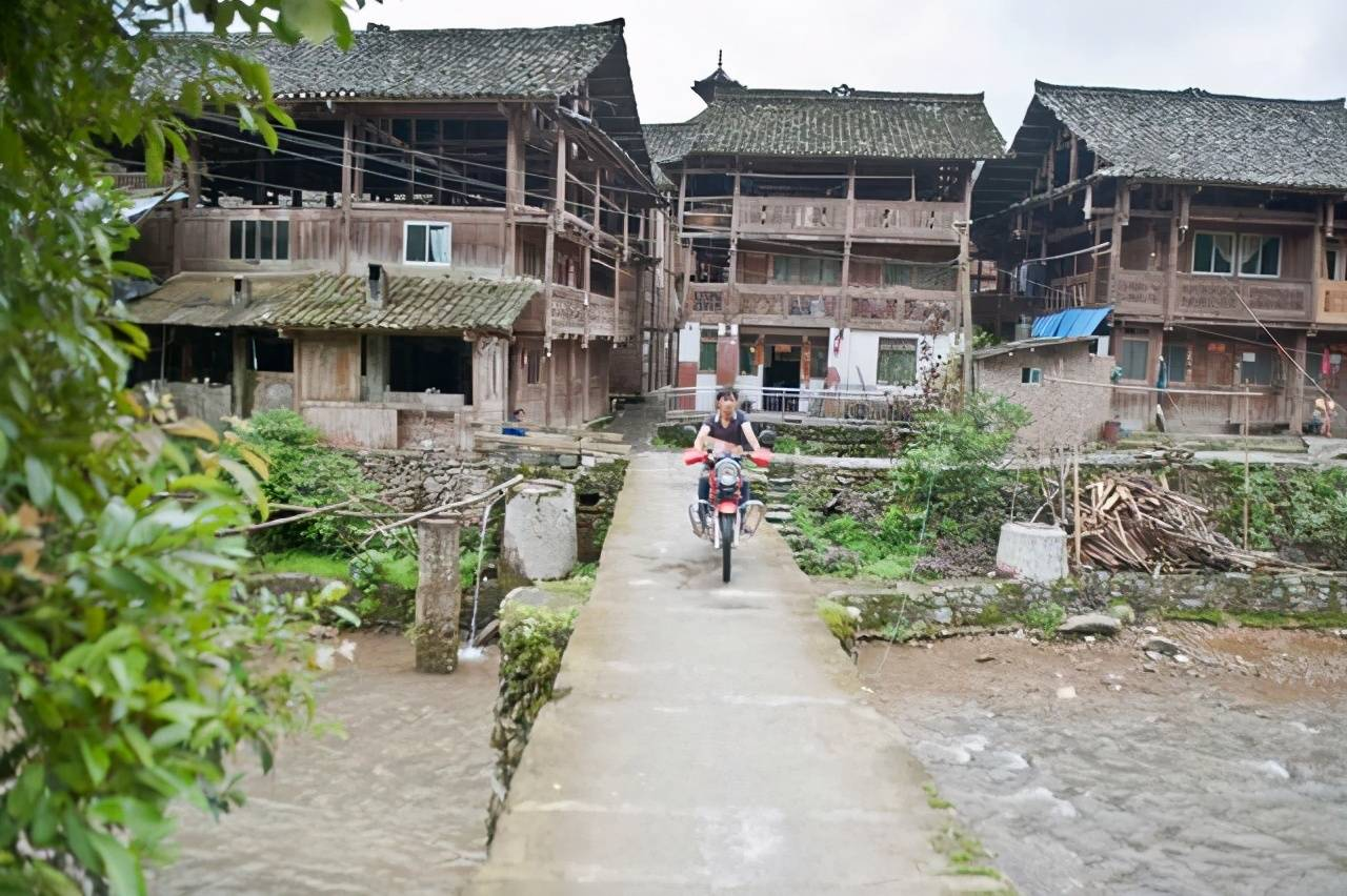"""原创             贵州最像""""迷宫""""的侗寨,走进来简单,走出去难,你知道为何吗?"""