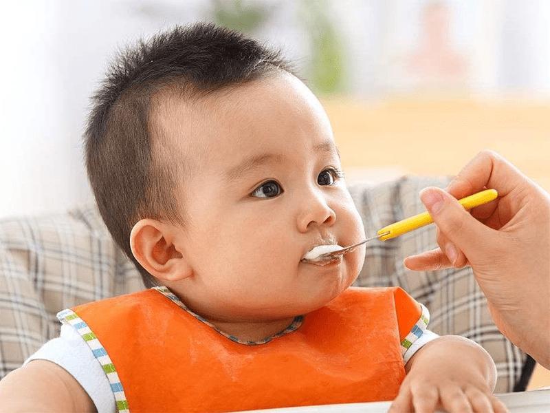 孩子6个月每天吃南瓜,9个月发现手掌脚掌发黄,是什么原因?