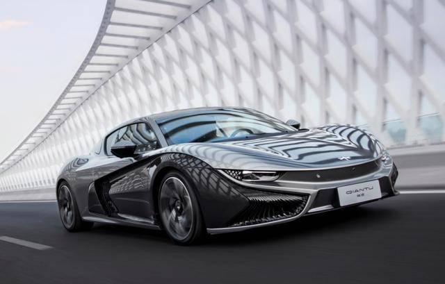 """首创中国第一辆跑车,见证创造,""""未来""""如织锦"""