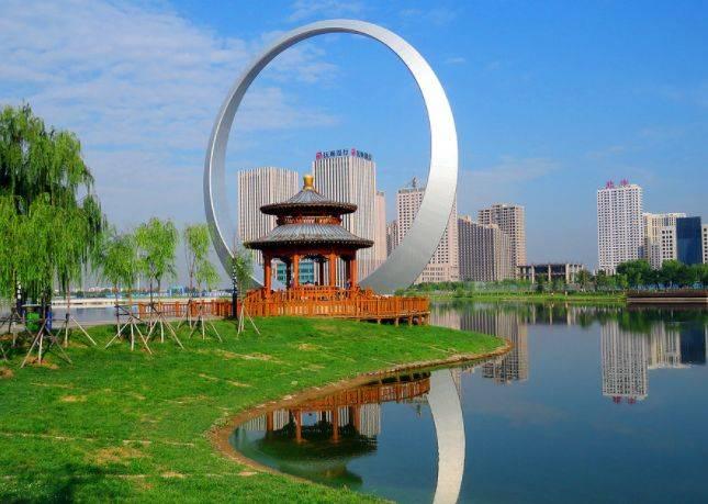 迪拜辽宁各建特色建筑物,一方一圆!为何迪拜被赞辽宁却被吐槽?