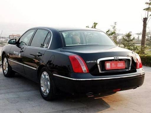 本来这辆看起来像奔驰的豪车卖不到20万。为什么最终在中国零销售额