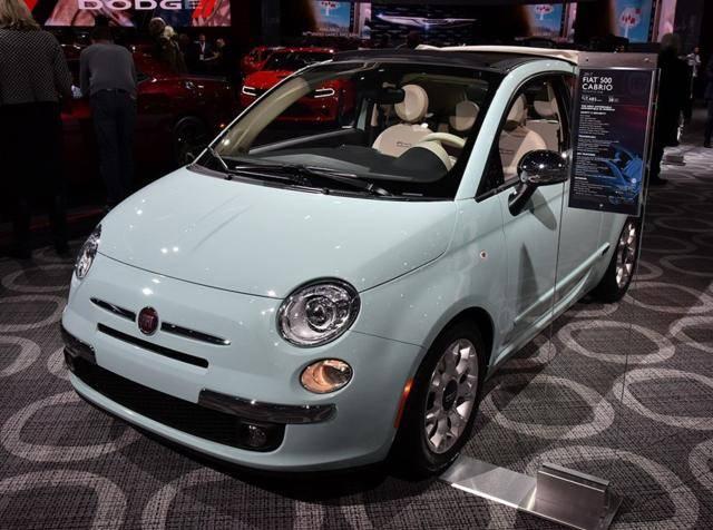 最初菲亚特最成功的迷你车,连奔驰Smart都模仿,定价21万